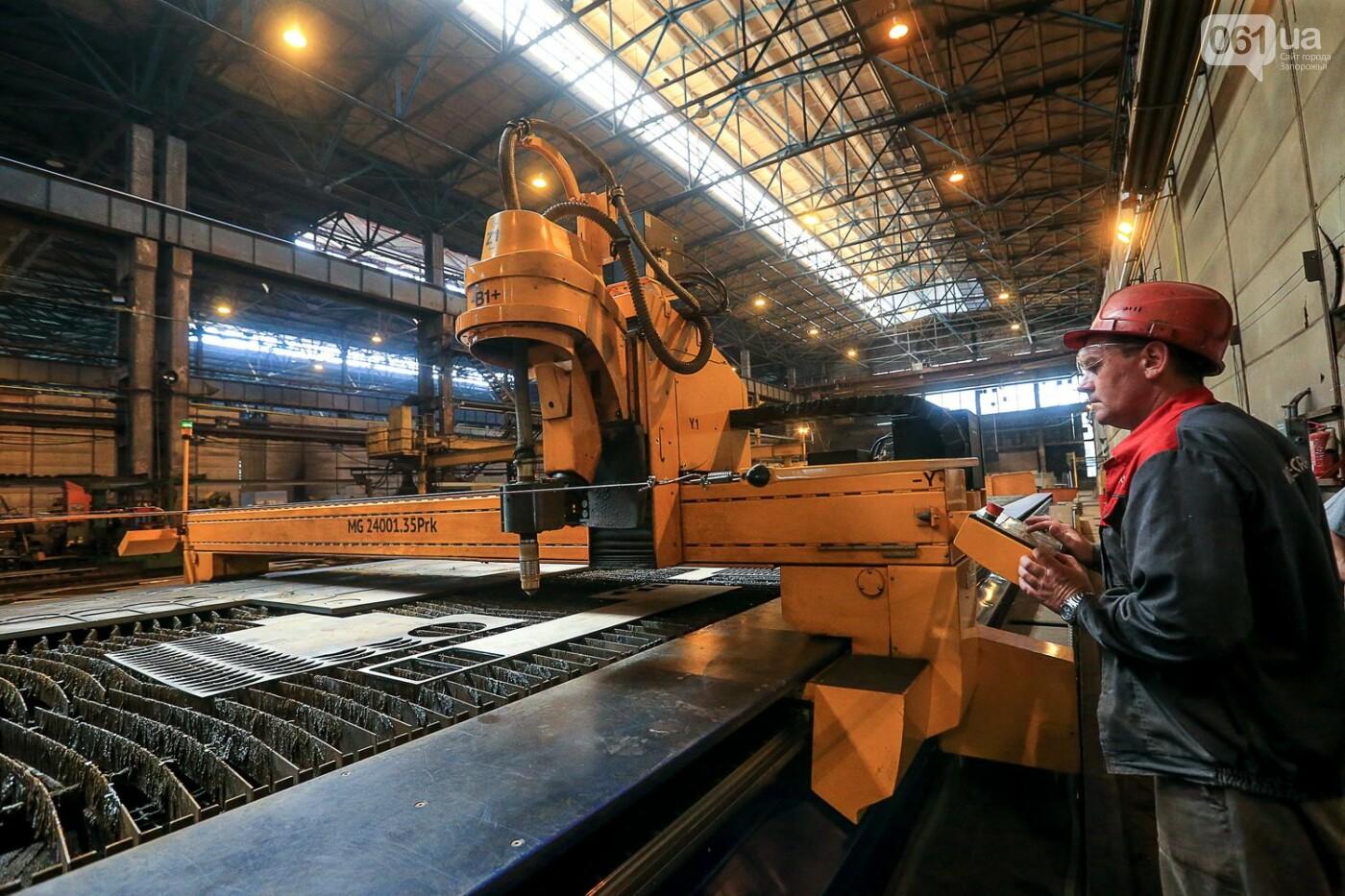 Как в Запорожье работает крупнейший в Европе завод по производству кранов: экскурсия на производство, — ФОТОРЕПОРТАЖ, фото-15