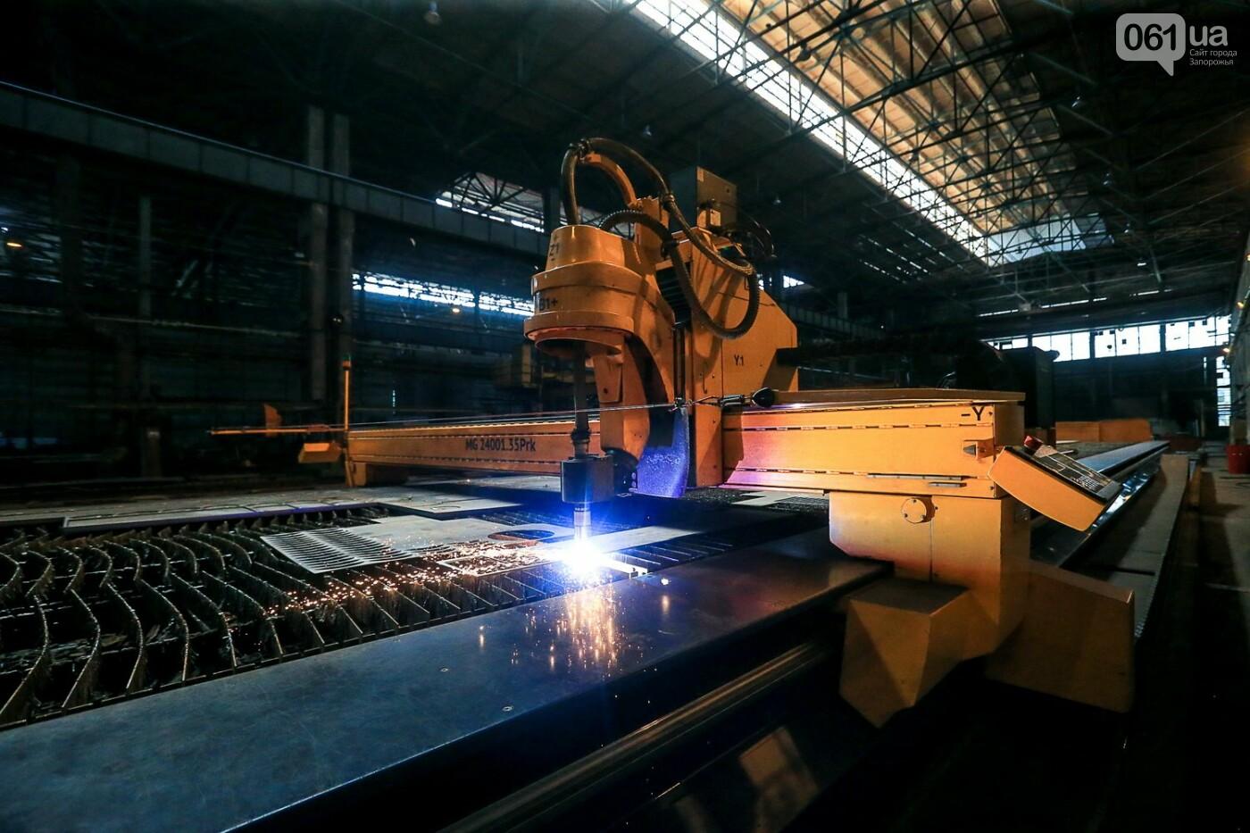 Как в Запорожье работает крупнейший в Европе завод по производству кранов: экскурсия на производство, — ФОТОРЕПОРТАЖ, фото-14