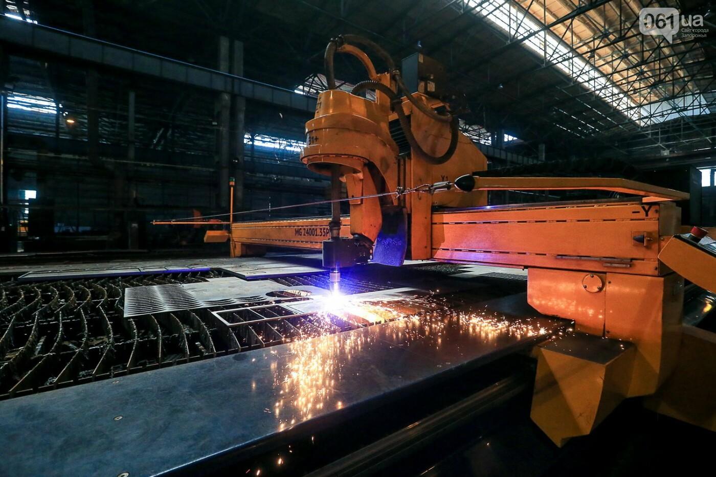 Как в Запорожье работает крупнейший в Европе завод по производству кранов: экскурсия на производство, — ФОТОРЕПОРТАЖ, фото-11