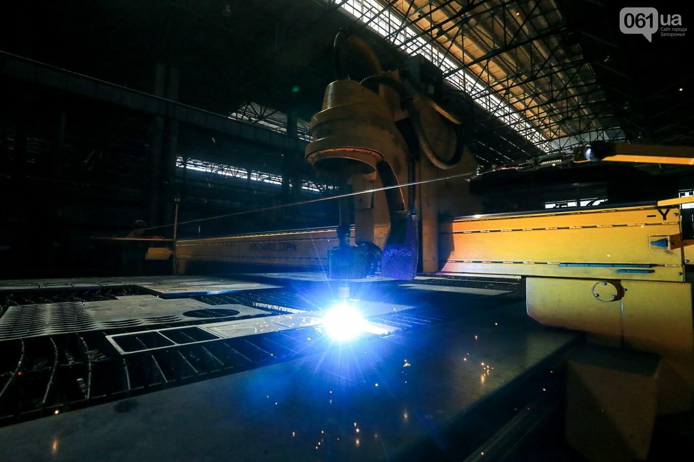 Как в Запорожье работает крупнейший в Европе завод по производству кранов: экскурсия на производство, — ФОТОРЕПОРТАЖ, фото-16