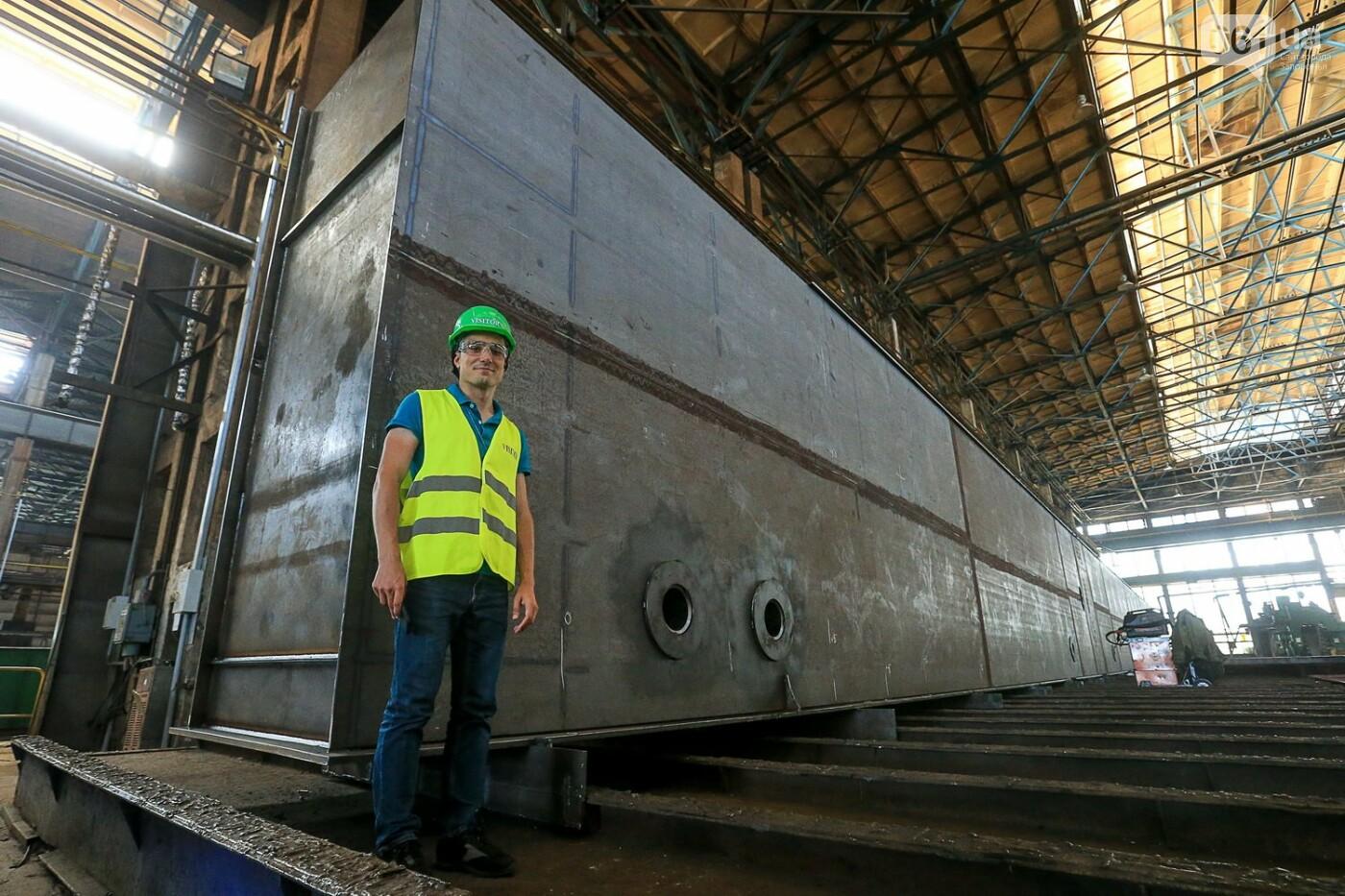 Как в Запорожье работает крупнейший в Европе завод по производству кранов: экскурсия на производство, — ФОТОРЕПОРТАЖ, фото-27