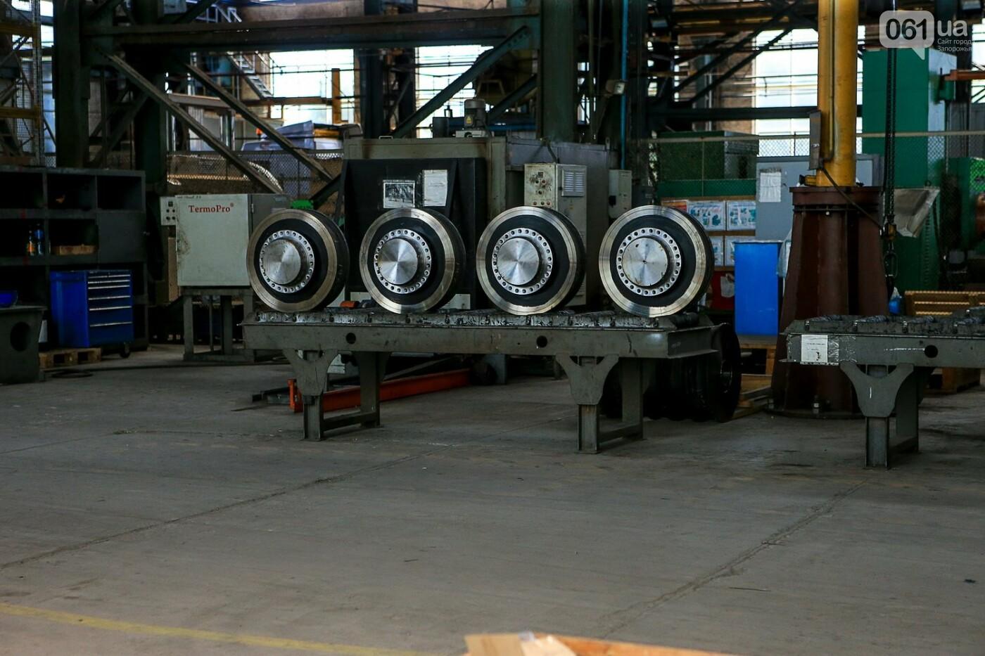 Как в Запорожье работает крупнейший в Европе завод по производству кранов: экскурсия на производство, — ФОТОРЕПОРТАЖ, фото-34