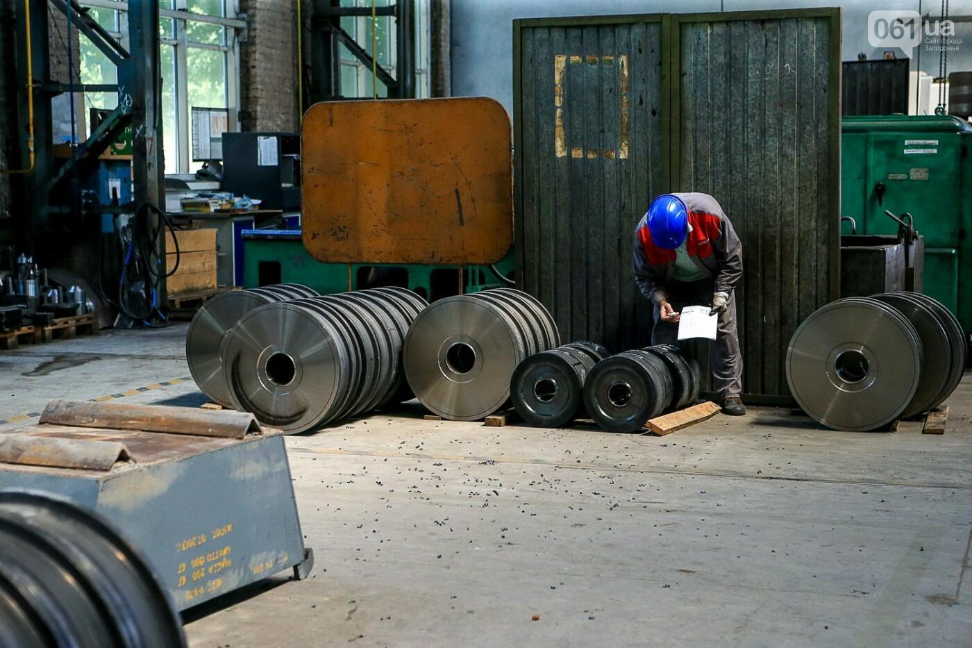 Как в Запорожье работает крупнейший в Европе завод по производству кранов: экскурсия на производство, — ФОТОРЕПОРТАЖ, фото-35