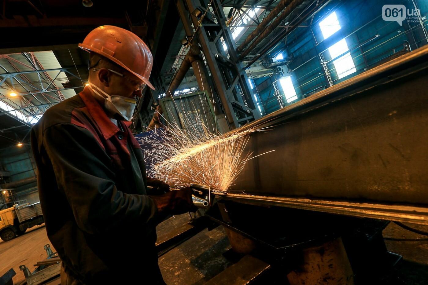 Как в Запорожье работает крупнейший в Европе завод по производству кранов: экскурсия на производство, — ФОТОРЕПОРТАЖ, фото-18