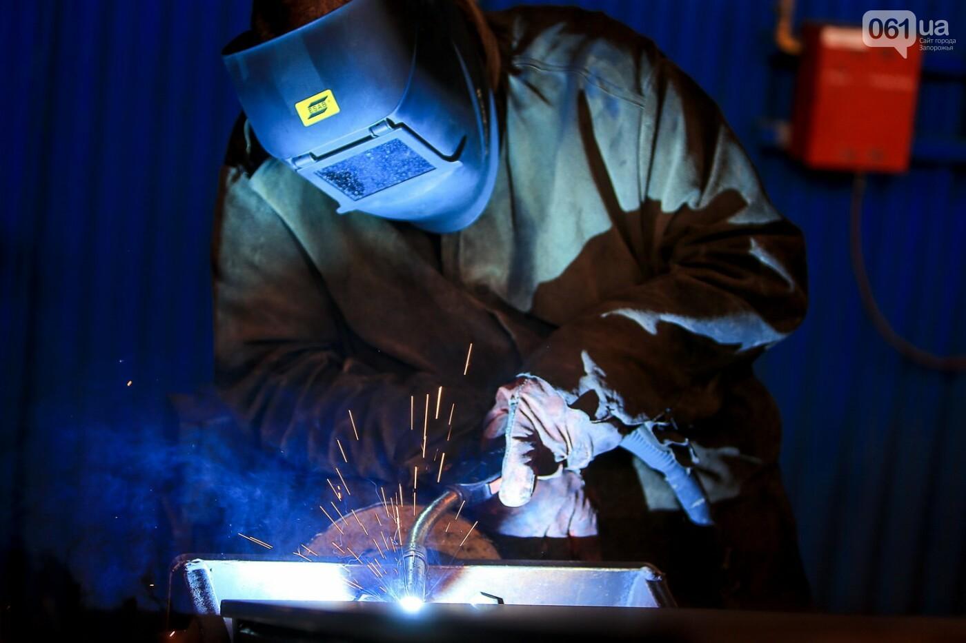 Как в Запорожье работает крупнейший в Европе завод по производству кранов: экскурсия на производство, — ФОТОРЕПОРТАЖ, фото-17