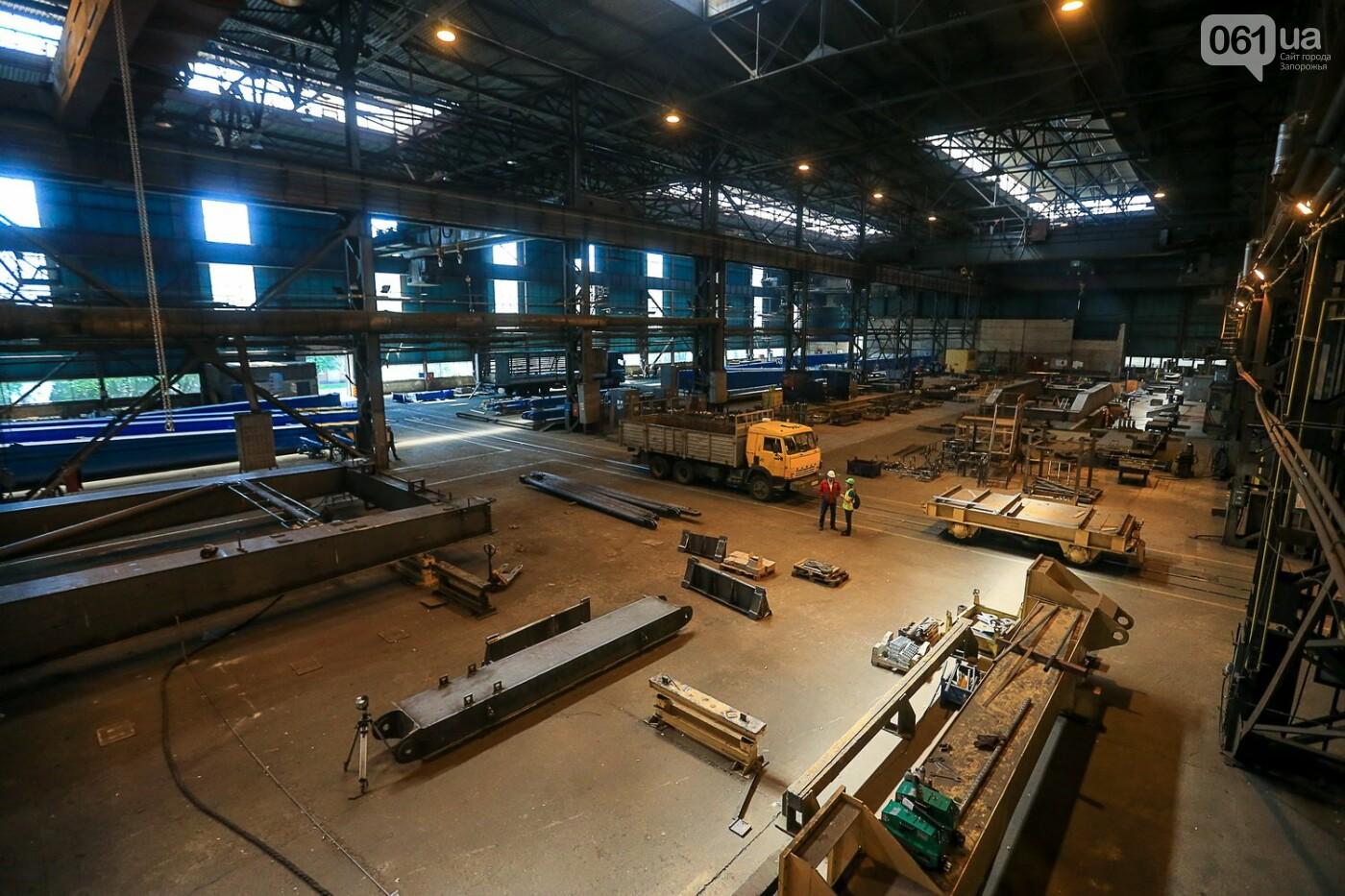 Как в Запорожье работает крупнейший в Европе завод по производству кранов: экскурсия на производство, — ФОТОРЕПОРТАЖ, фото-23