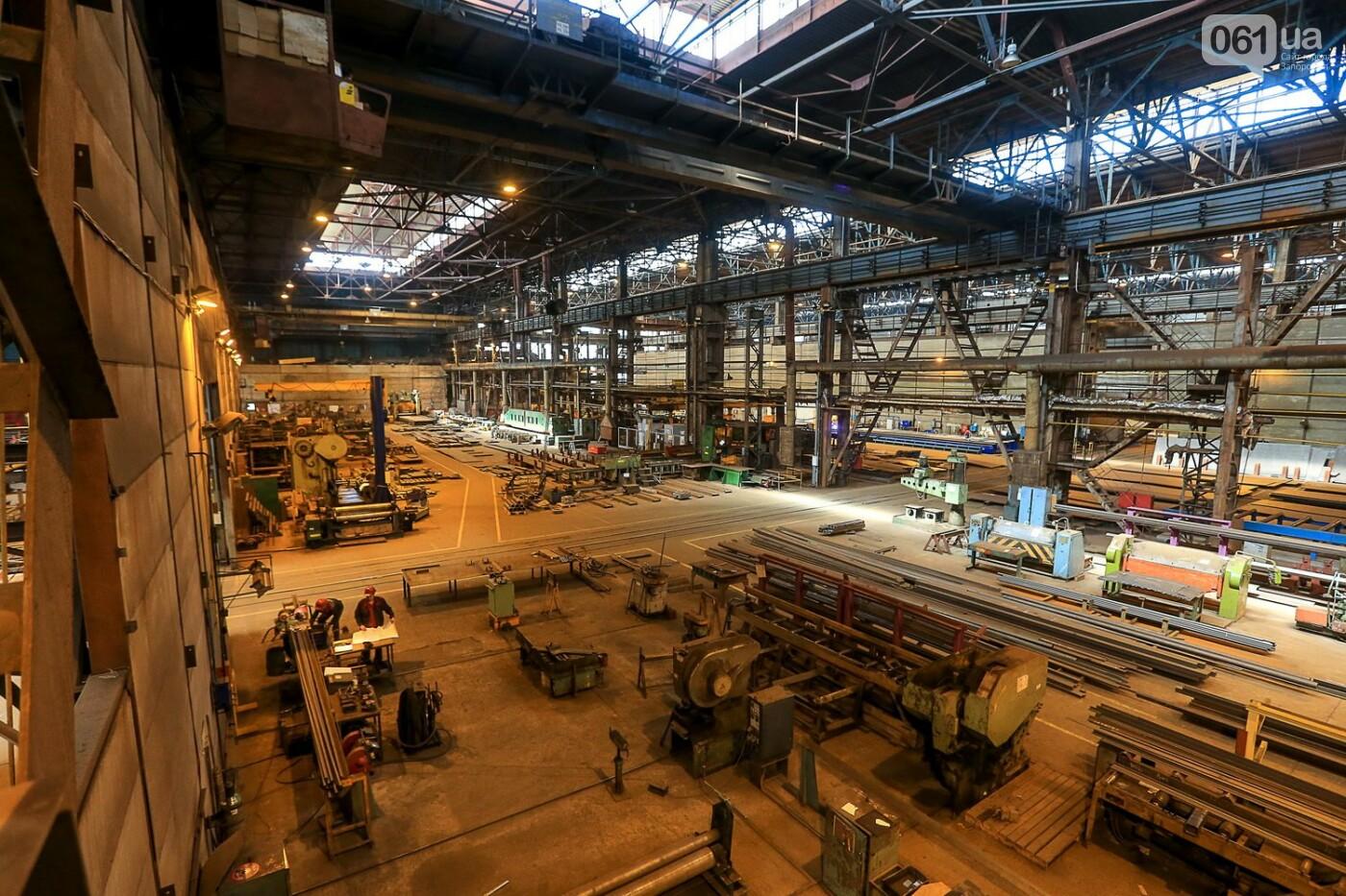 Как в Запорожье работает крупнейший в Европе завод по производству кранов: экскурсия на производство, — ФОТОРЕПОРТАЖ, фото-9