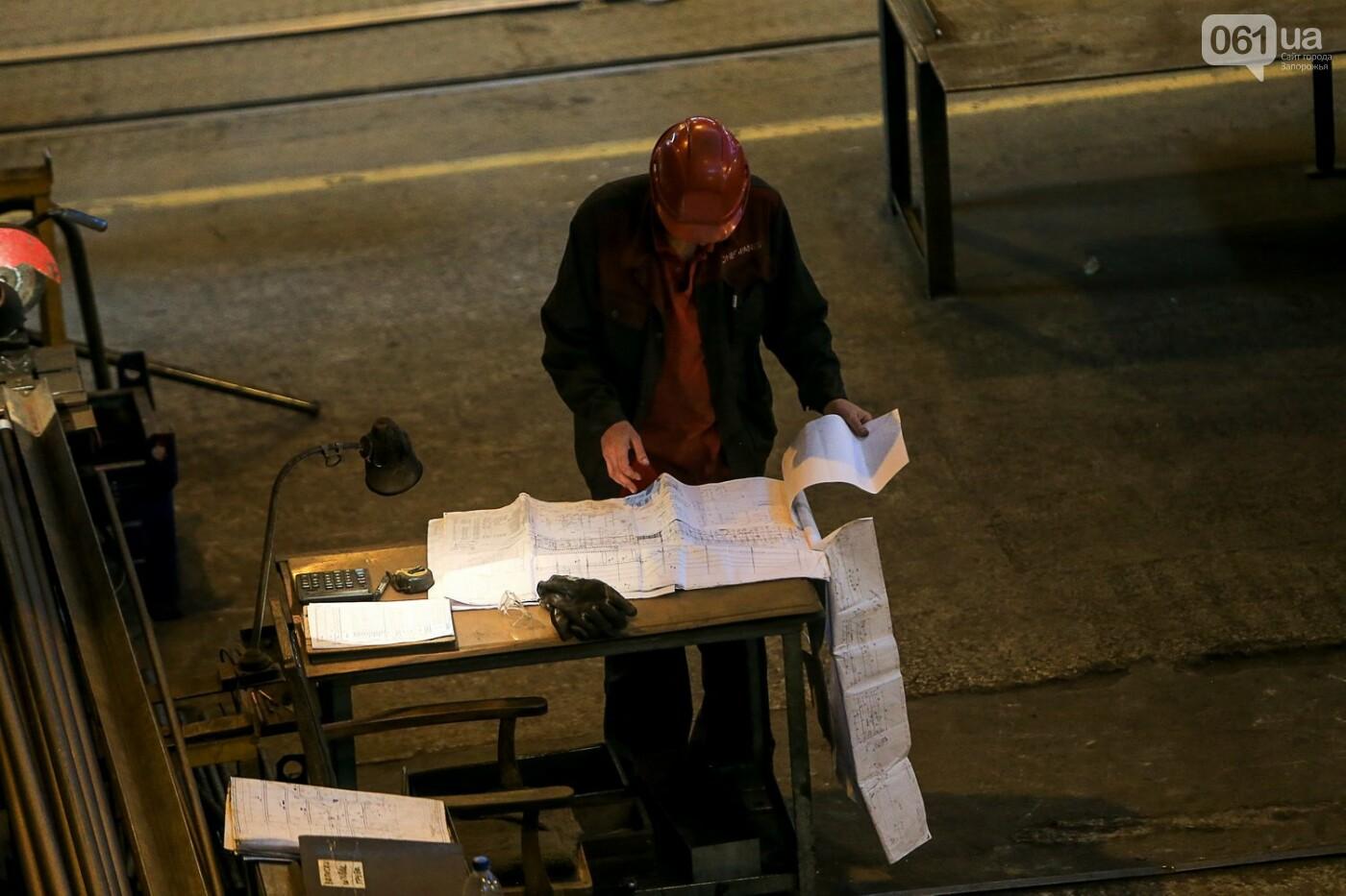 Как в Запорожье работает крупнейший в Европе завод по производству кранов: экскурсия на производство, — ФОТОРЕПОРТАЖ, фото-25
