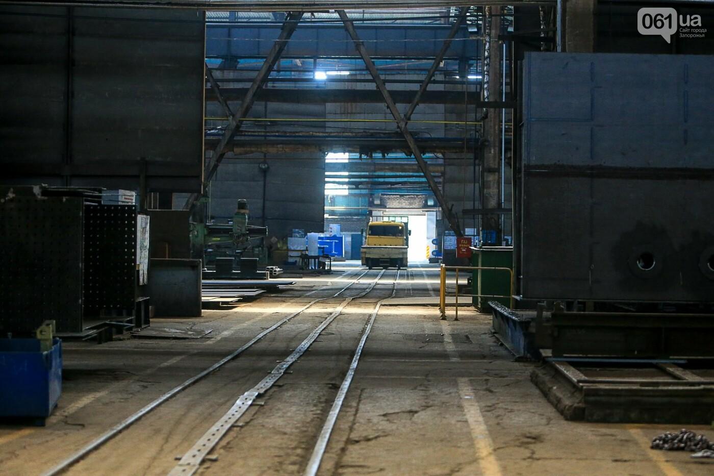 Как в Запорожье работает крупнейший в Европе завод по производству кранов: экскурсия на производство, — ФОТОРЕПОРТАЖ, фото-7