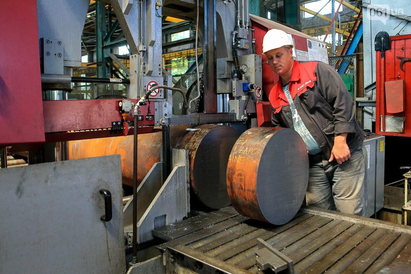 Как в Запорожье работает крупнейший в Европе завод по производству кранов: экскурсия на производство, — ФОТОРЕПОРТАЖ, фото-37