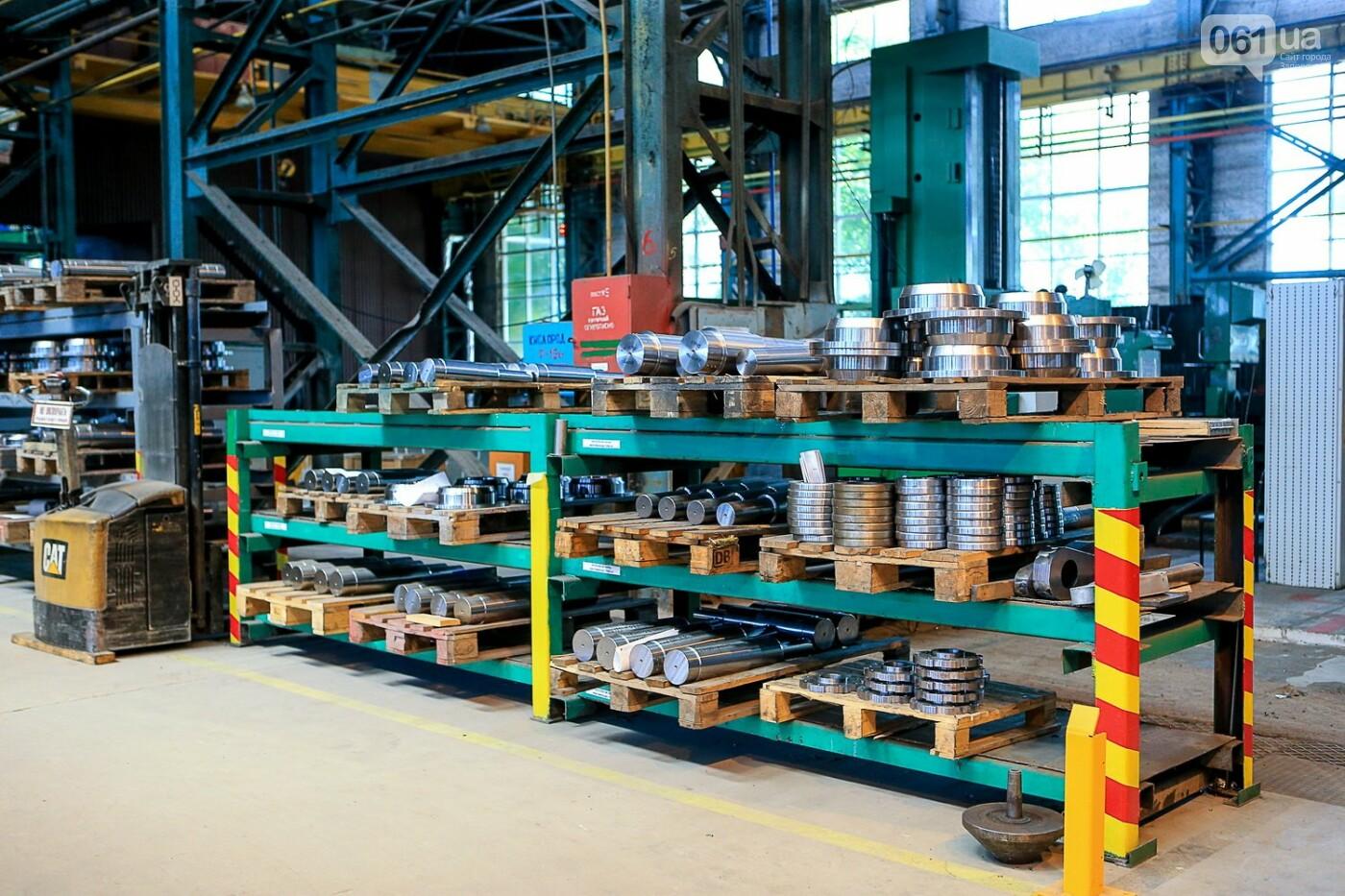 Как в Запорожье работает крупнейший в Европе завод по производству кранов: экскурсия на производство, — ФОТОРЕПОРТАЖ, фото-57