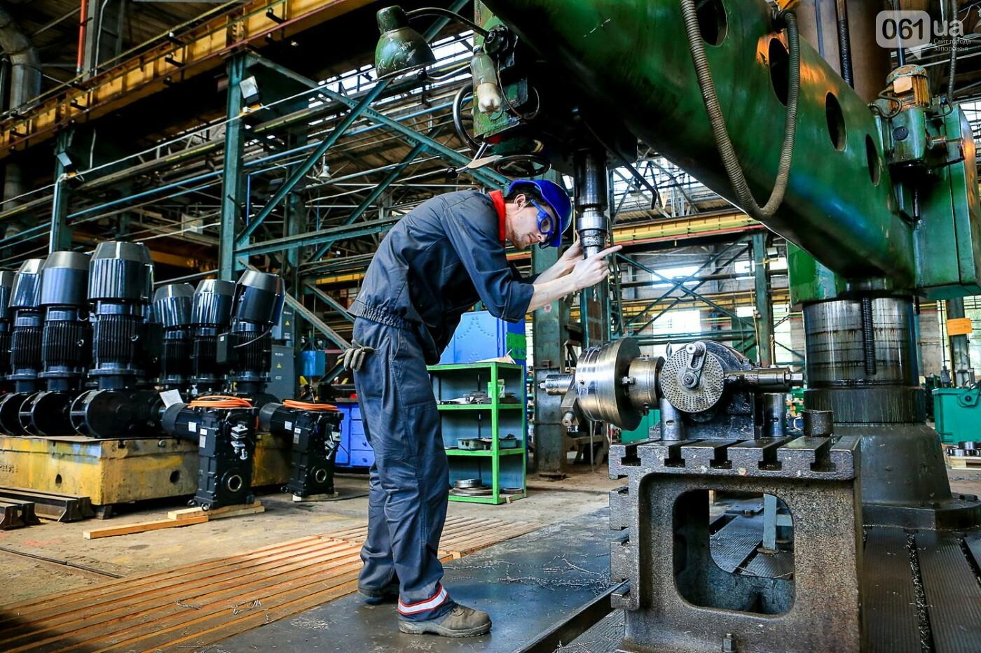 Как в Запорожье работает крупнейший в Европе завод по производству кранов: экскурсия на производство, — ФОТОРЕПОРТАЖ, фото-41