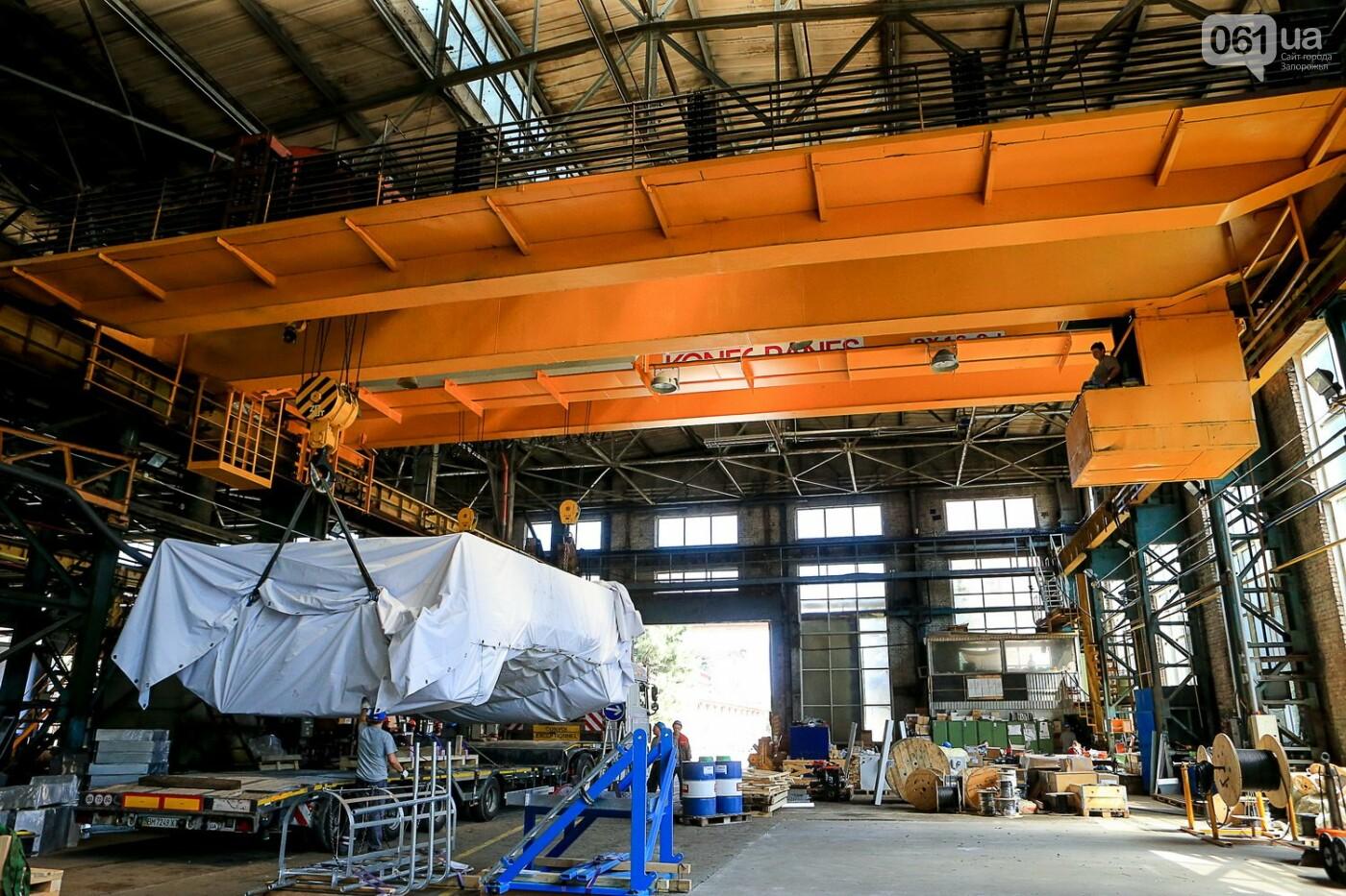 Как в Запорожье работает крупнейший в Европе завод по производству кранов: экскурсия на производство, — ФОТОРЕПОРТАЖ, фото-63