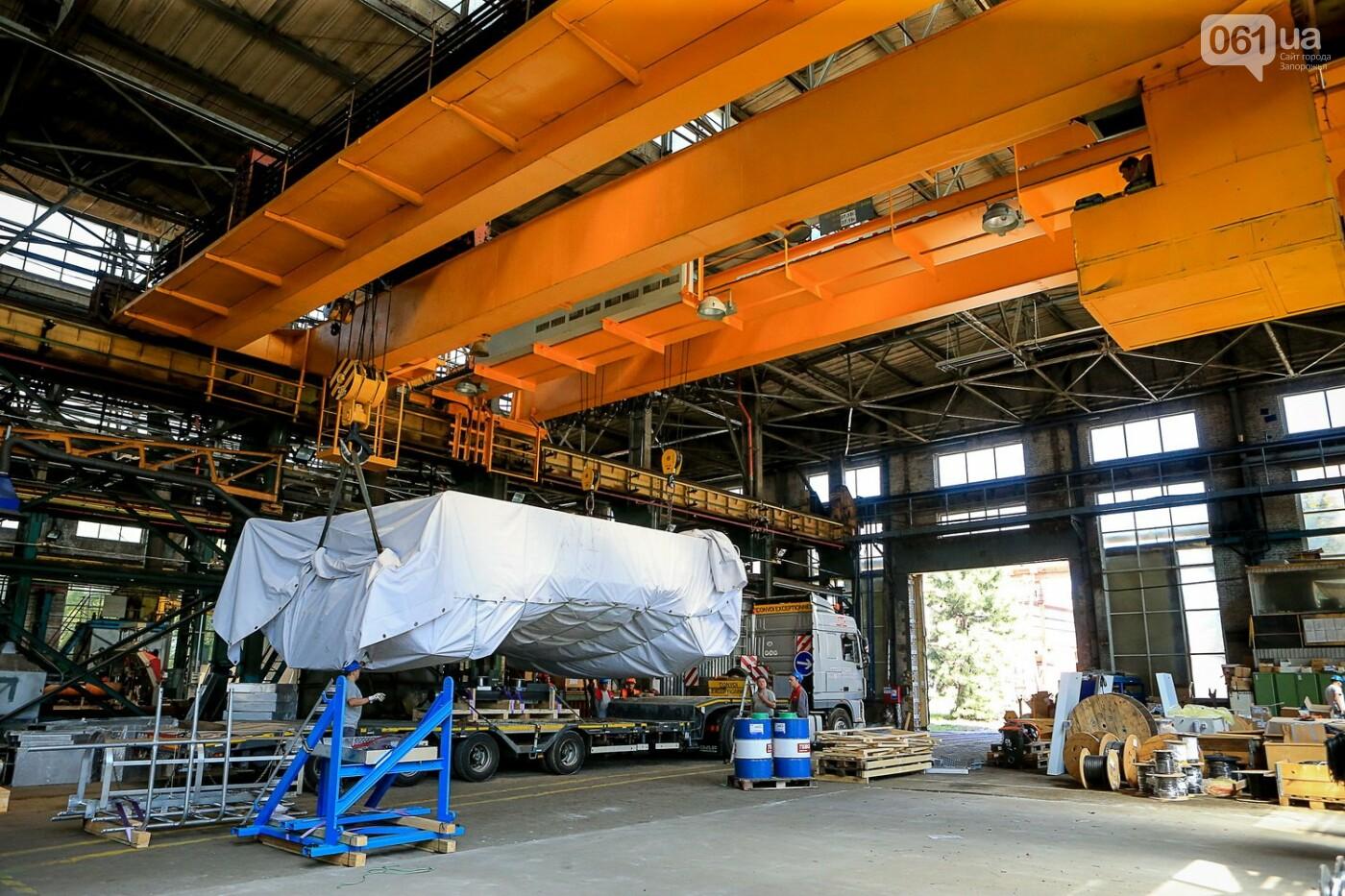 Как в Запорожье работает крупнейший в Европе завод по производству кранов: экскурсия на производство, — ФОТОРЕПОРТАЖ, фото-64