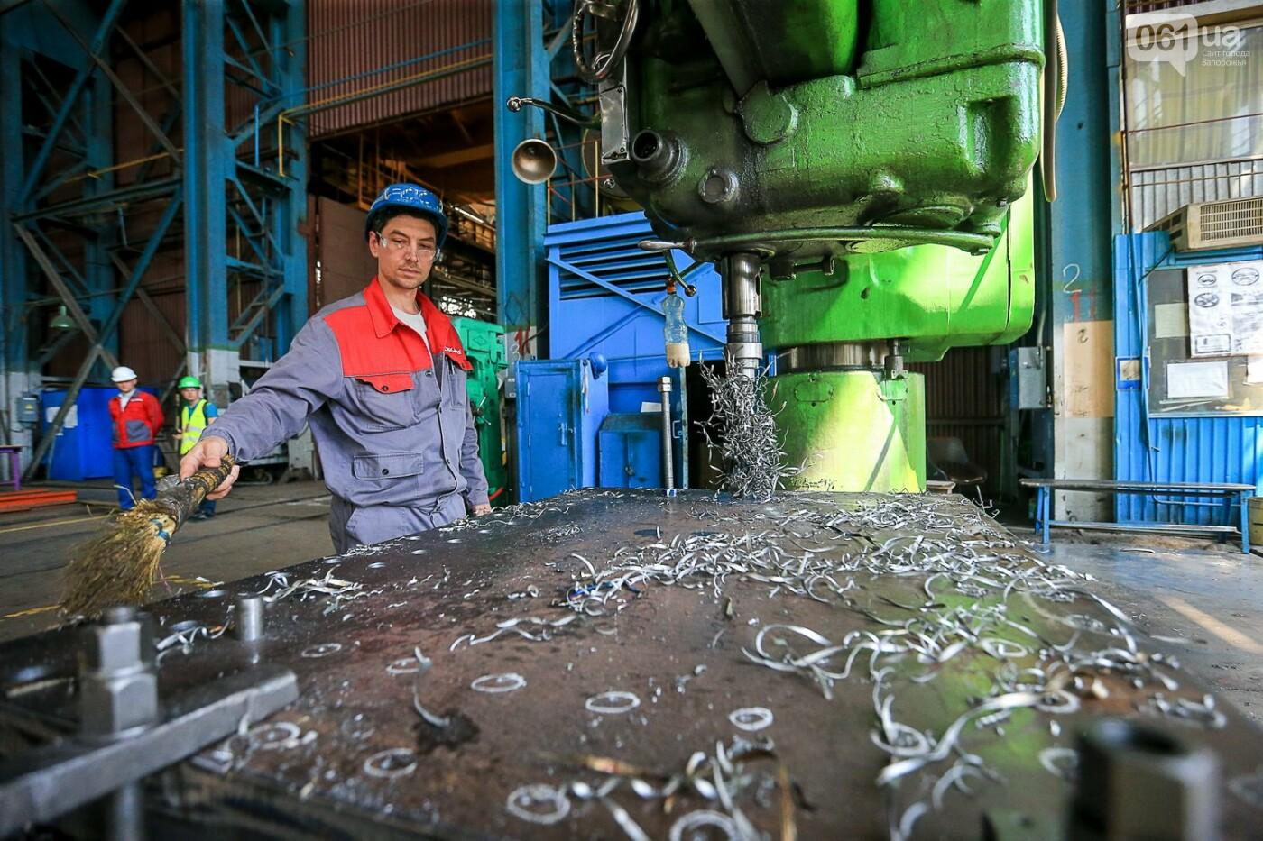 Как в Запорожье работает крупнейший в Европе завод по производству кранов: экскурсия на производство, — ФОТОРЕПОРТАЖ, фото-46