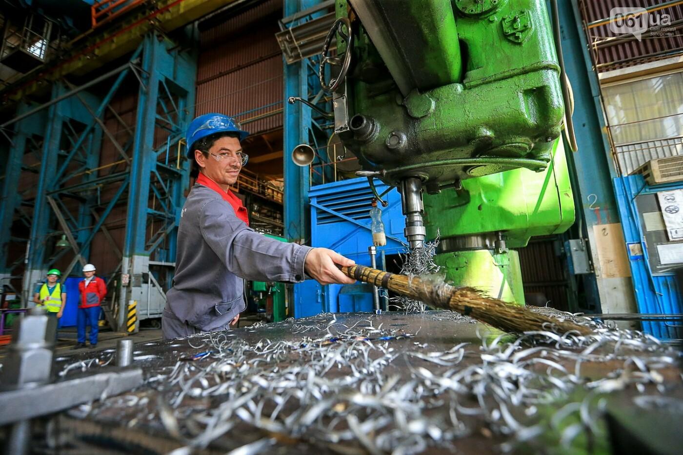 Как в Запорожье работает крупнейший в Европе завод по производству кранов: экскурсия на производство, — ФОТОРЕПОРТАЖ, фото-47