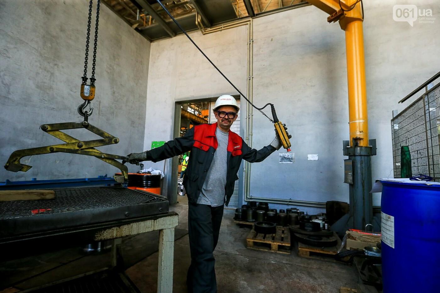 Как в Запорожье работает крупнейший в Европе завод по производству кранов: экскурсия на производство, — ФОТОРЕПОРТАЖ, фото-49