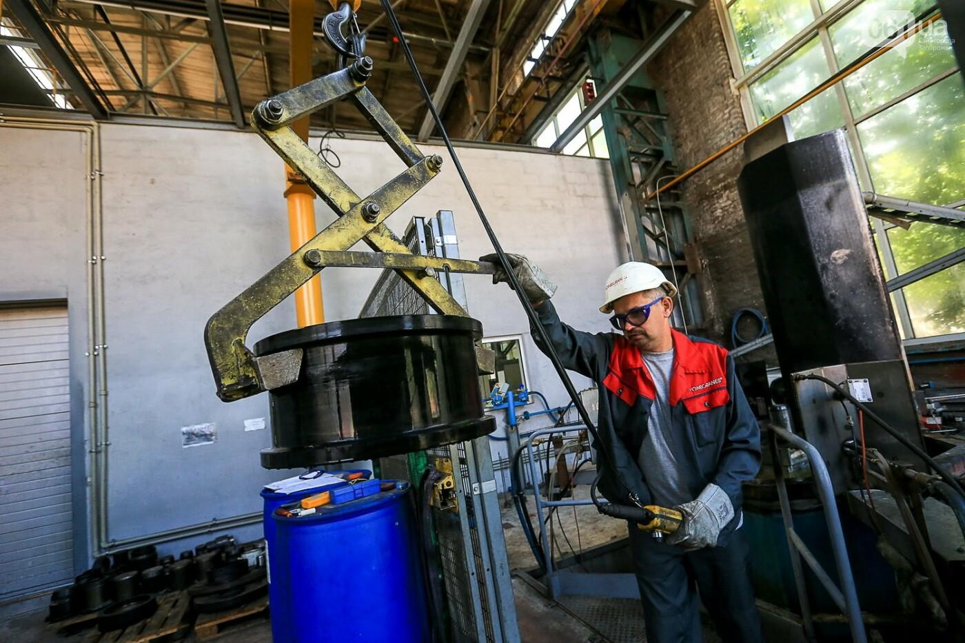 Как в Запорожье работает крупнейший в Европе завод по производству кранов: экскурсия на производство, — ФОТОРЕПОРТАЖ, фото-51
