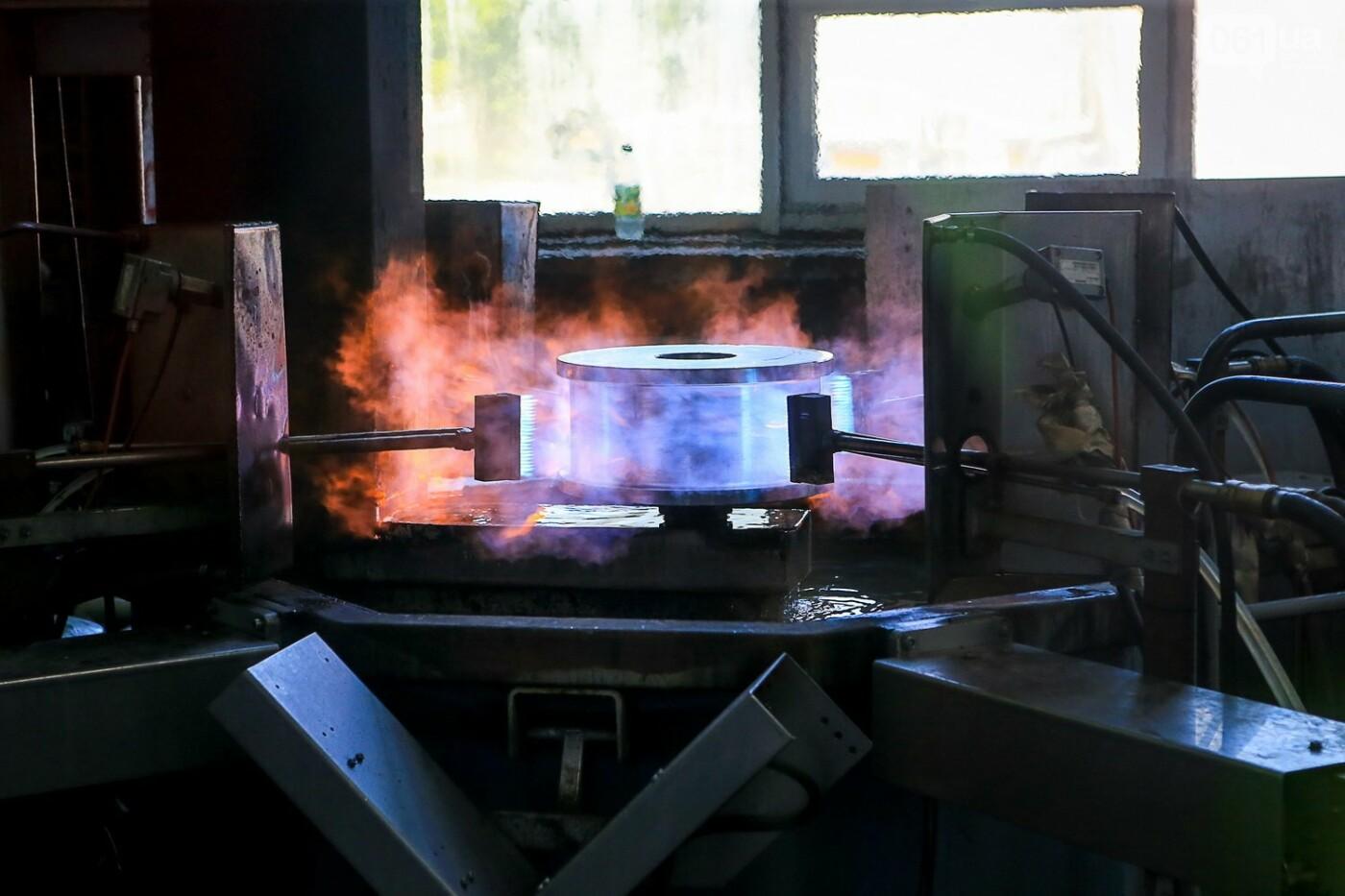 Как в Запорожье работает крупнейший в Европе завод по производству кранов: экскурсия на производство, — ФОТОРЕПОРТАЖ, фото-54