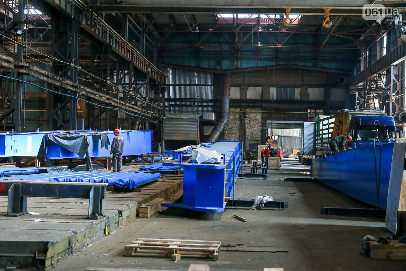 Как в Запорожье работает крупнейший в Европе завод по производству кранов: экскурсия на производство, — ФОТОРЕПОРТАЖ, фото-32