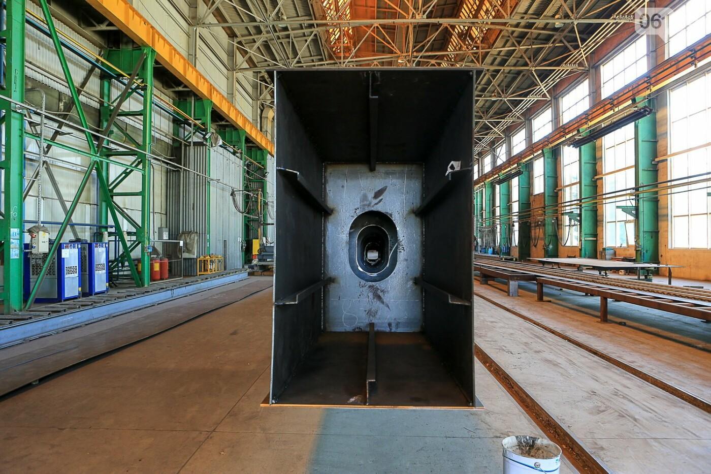 Как в Запорожье работает крупнейший в Европе завод по производству кранов: экскурсия на производство, — ФОТОРЕПОРТАЖ, фото-21