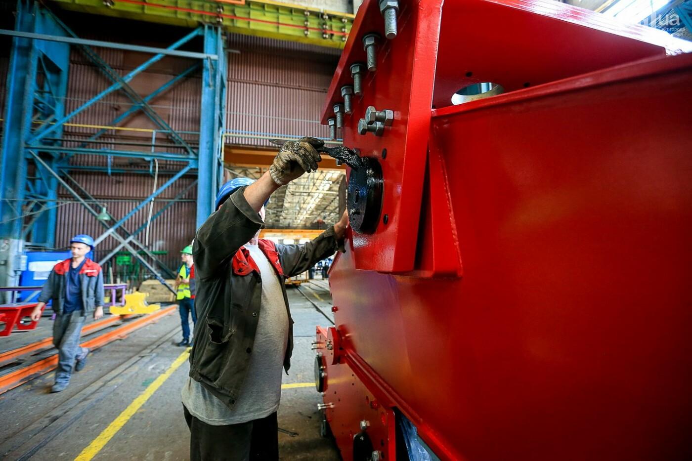 Как в Запорожье работает крупнейший в Европе завод по производству кранов: экскурсия на производство, — ФОТОРЕПОРТАЖ, фото-67