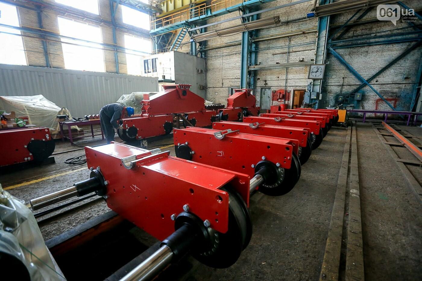 Как в Запорожье работает крупнейший в Европе завод по производству кранов: экскурсия на производство, — ФОТОРЕПОРТАЖ, фото-69
