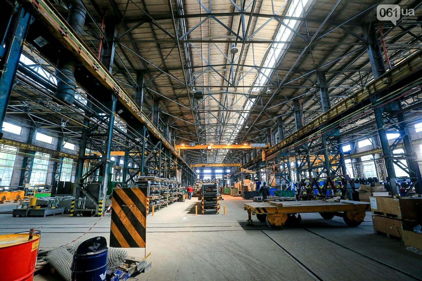 Как в Запорожье работает крупнейший в Европе завод по производству кранов: экскурсия на производство, — ФОТОРЕПОРТАЖ, фото-3