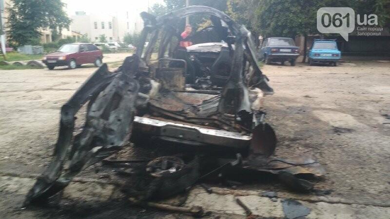 Известному запорожскому блогеру и активисту сожгли машину, – ФОТО, фото-4
