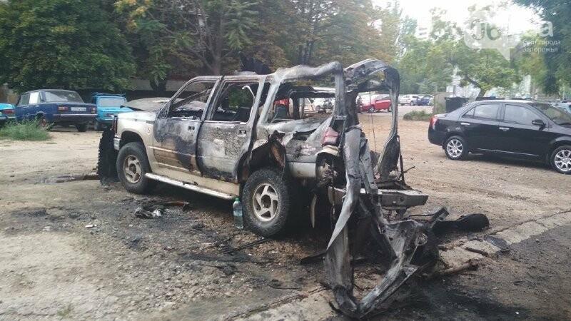 Известному запорожскому блогеру и активисту сожгли машину, – ФОТО, фото-3