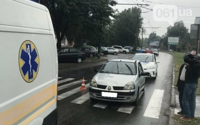 В Запорожье на переходе сбили женщину: она в больнице, - ФОТО, фото-1