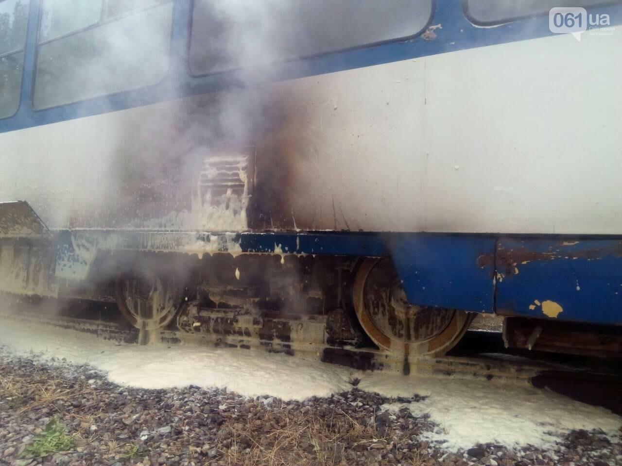 В Заводском районе Запорожья загорелся трамвай, - ФОТО, фото-2