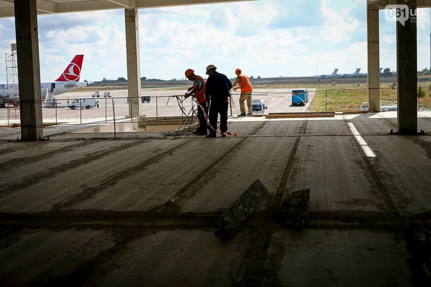 Как идет строительство нового терминала аэропорта Запорожья 34