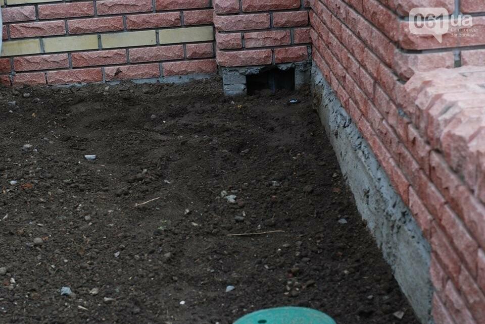 В новом сквере Театральном уже отваливается плитка: горожан приглашают закончить ремонт, – ФОТО, фото-3