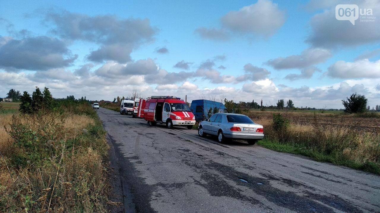 Под Запорожьем столкнулись легковушка и микроавтобус: один погибший, трое пострадавших, - ФОТО, фото-2