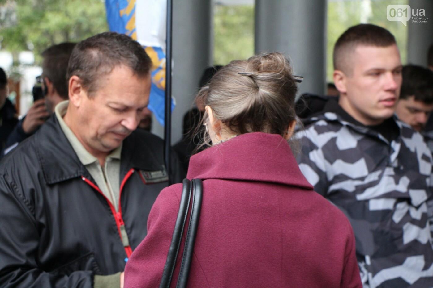Активисты под прицелом: в Запорожье под зданием Нацполиции митинговали за расследование преступлений, - ФОТОРЕПОРТАЖ, фото-7