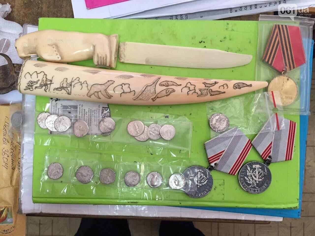 Запорожские таможенники нашли у женщины нож из бивня моржа, - ФОТО, фото-2