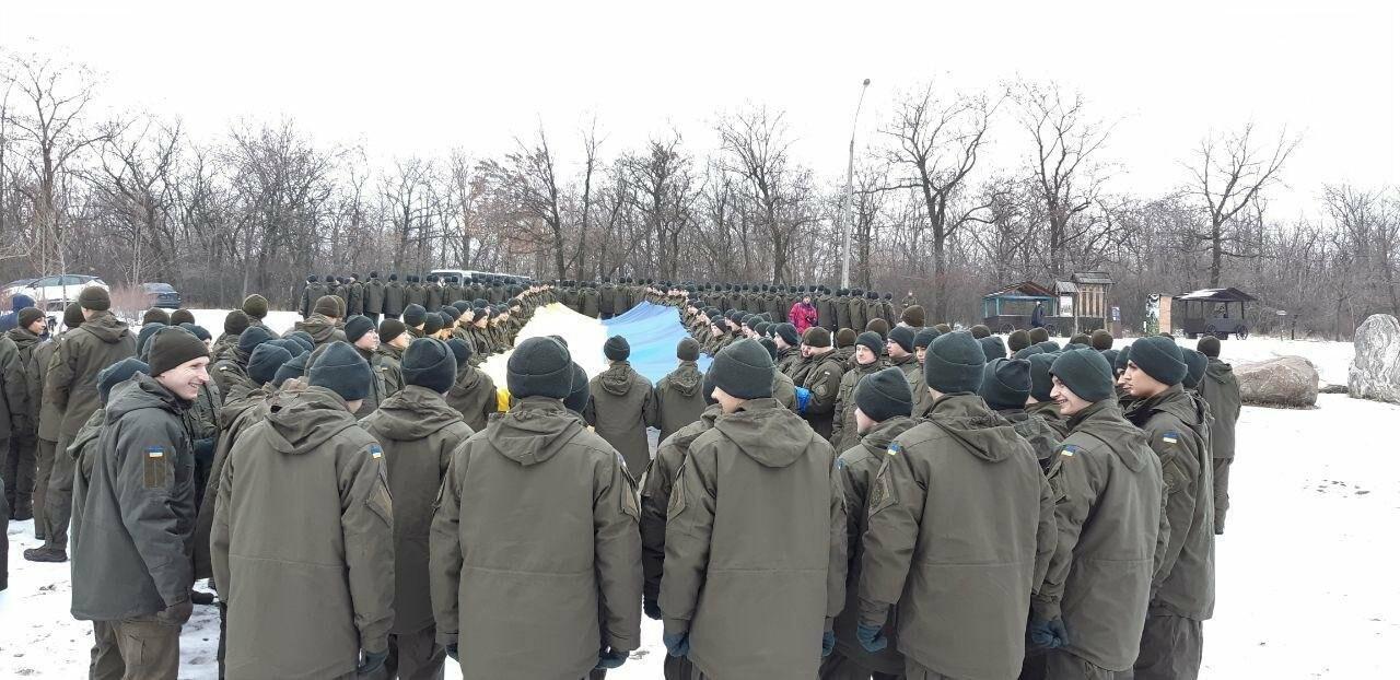 Запорожские военные провели на Хортице флешмоб в поддержку украинских моряков, - ФОТО, ВИДЕО, фото-7