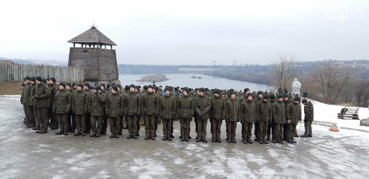Запорожские военные провели на Хортице флешмоб в поддержку украинских моряков, - ФОТО, ВИДЕО, фото-8