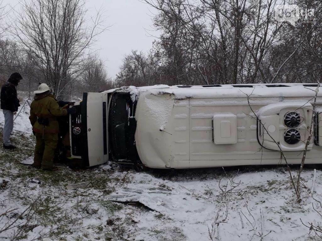 Под Мелитополем перевернулся микроавтобус - есть пострадавшие, - ФОТО, фото-3