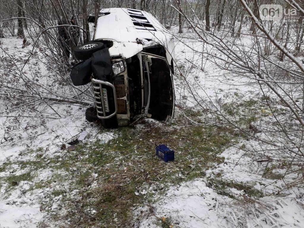 Под Мелитополем перевернулся микроавтобус - есть пострадавшие, - ФОТО, фото-4