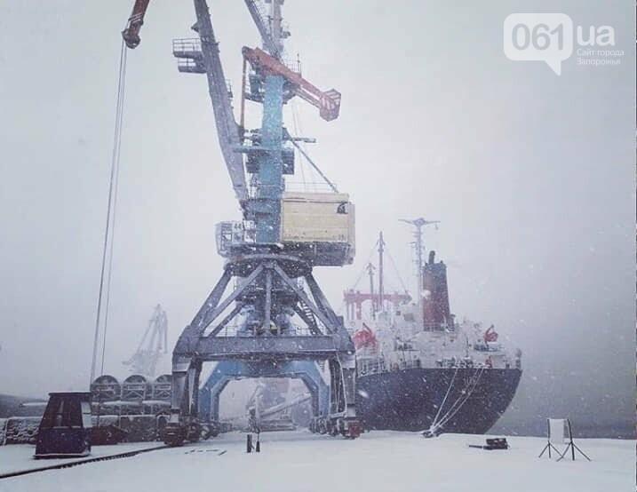 Администрация Бердянского порта опубликовала фото заснеженных судов, - ФОТО, фото-1
