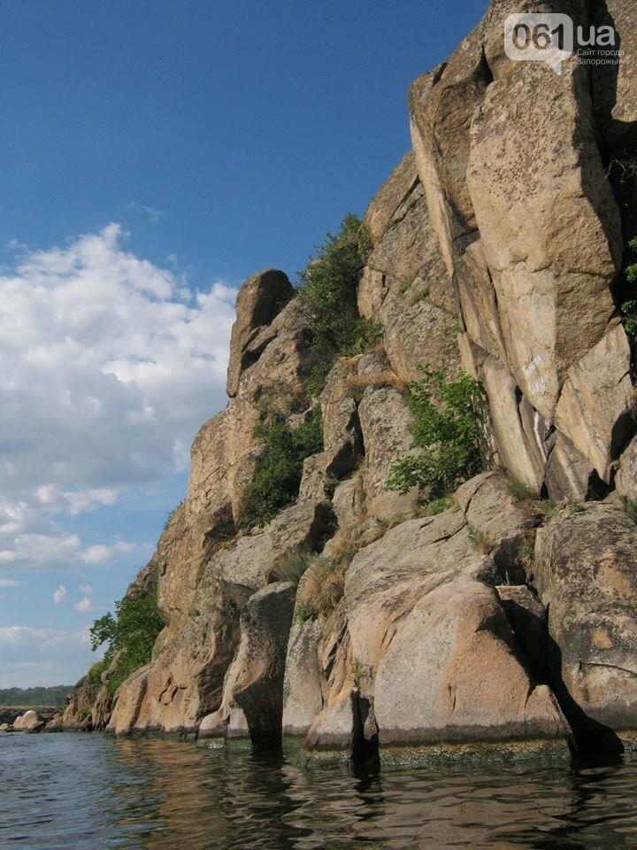 Запорожский дайвер погрузился в Днепр, чтобы отыскать подводную пещеру, - ВИДЕО, фото-1