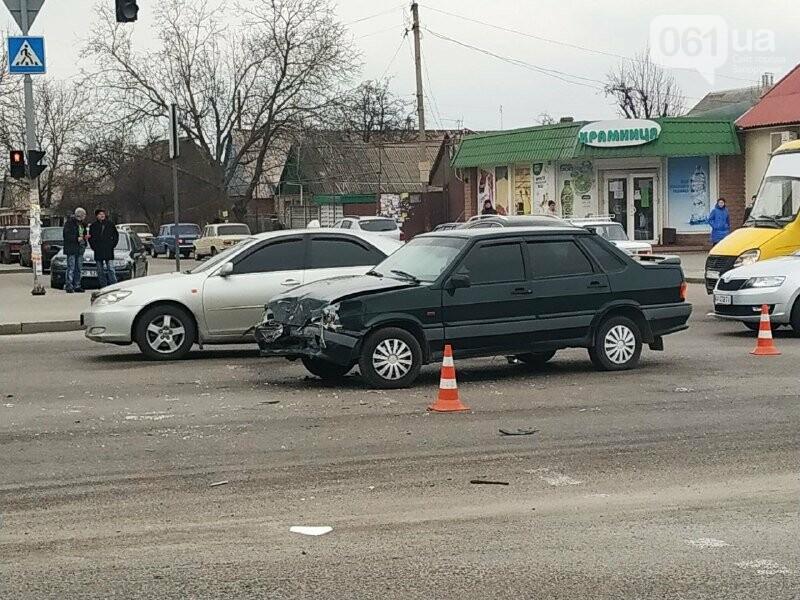 В Запорожье произошло ДТП с полицейским «Приусом», – ФОТО, фото-3