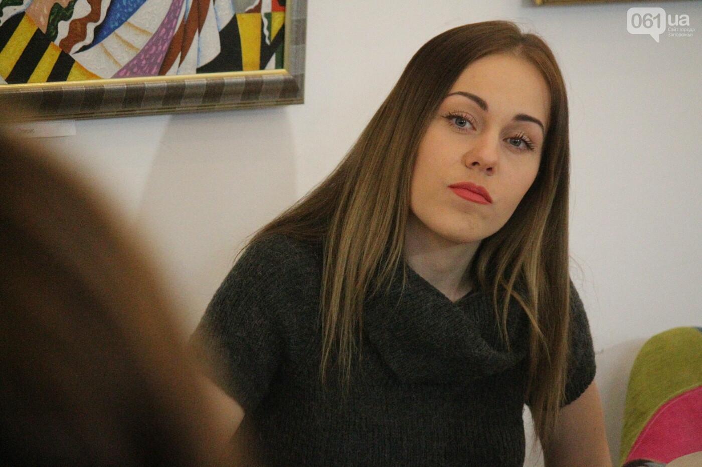 Перед концертом в родном Запорожье певица Alyosha провела автограф-сессию, – ФОТОРЕПОРТАЖ, фото-2