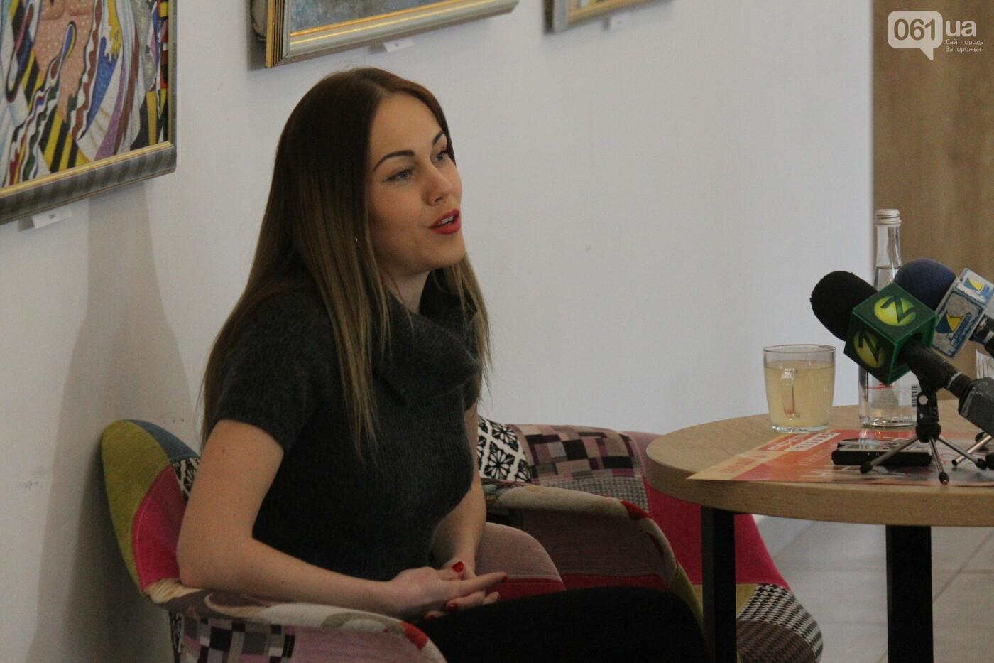 Перед концертом в родном Запорожье певица Alyosha провела автограф-сессию, – ФОТОРЕПОРТАЖ, фото-3