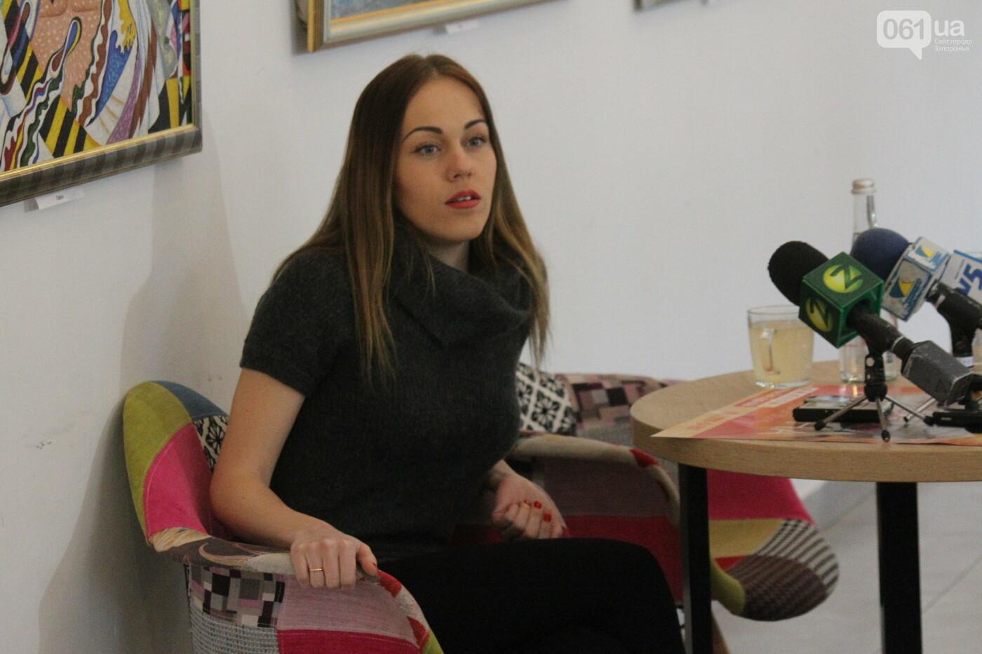Перед концертом в родном Запорожье певица Alyosha провела автограф-сессию, – ФОТОРЕПОРТАЖ, фото-4