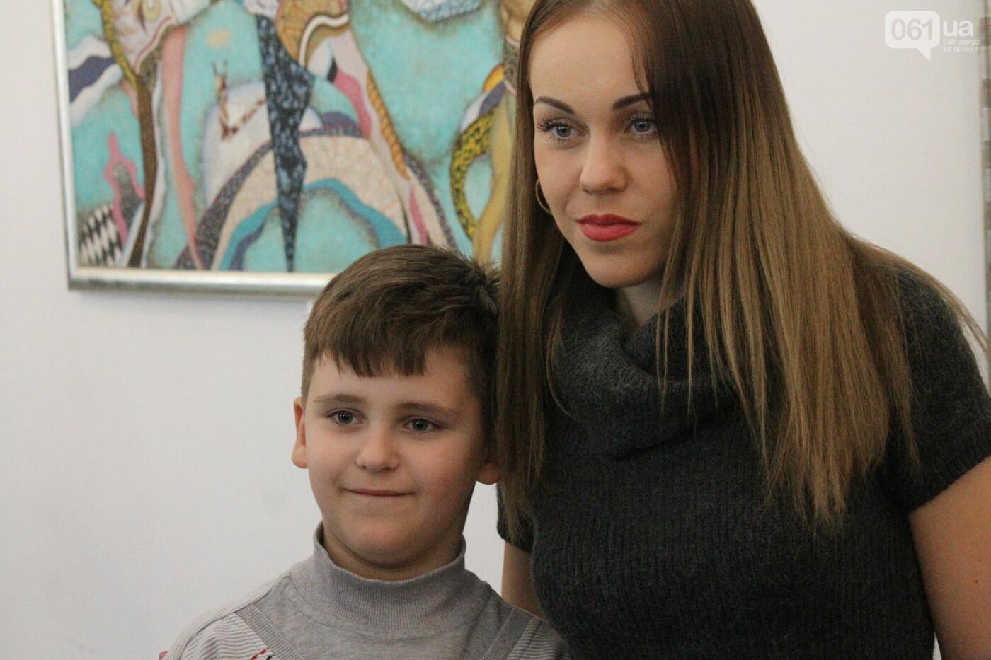 Перед концертом в родном Запорожье певица Alyosha провела автограф-сессию, – ФОТОРЕПОРТАЖ, фото-19