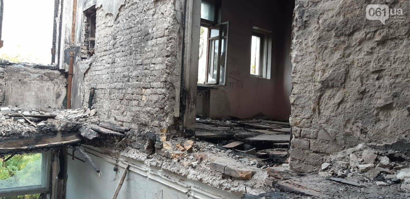 На Хортице вандалы оставили без крыши здание заброшенного ЦИМЕЖА, - ФОТОРЕПОРТАЖ, фото-16