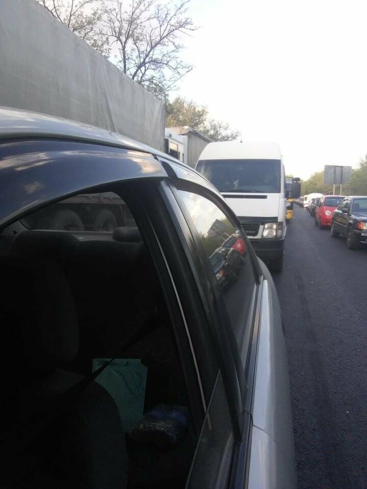 В Запорожье из-за ДТП на мосту Преображенского образовалась огромная пробка, - ФОТО, фото-2